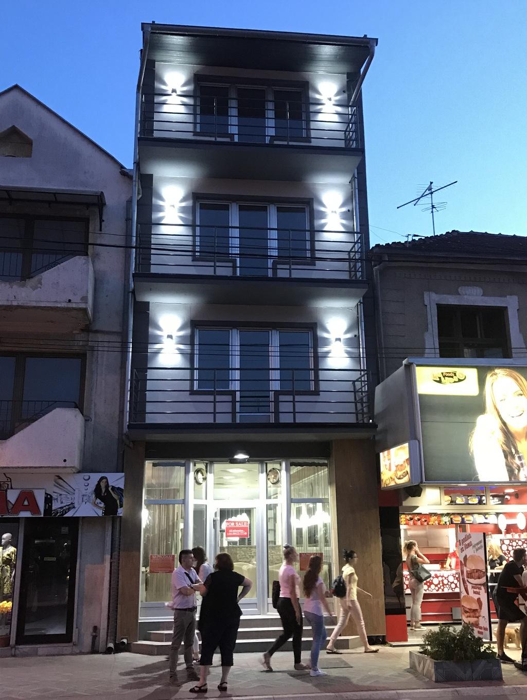http://reklamirajte.se/wp-content/uploads/2017/11/Poslovno-stambena-zgrada-1.jpg