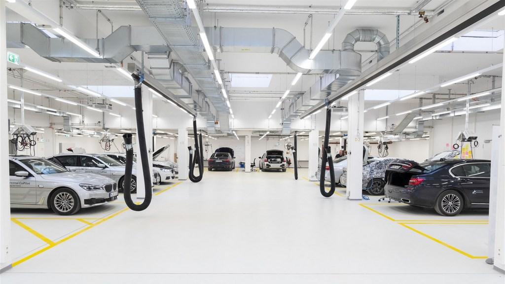 http://reklamirajte.se/wp-content/uploads/2018/04/BMW-autonomna-vožnja-2.jpg
