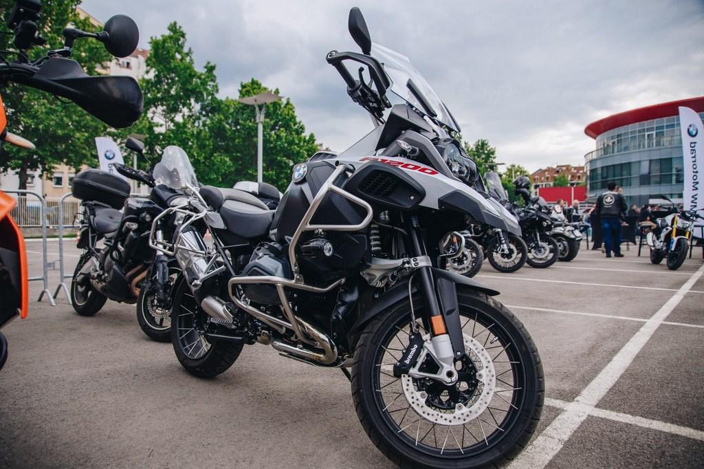 http://reklamirajte.se/wp-content/uploads/2018/05/BMW-Motorrad-4.jpg