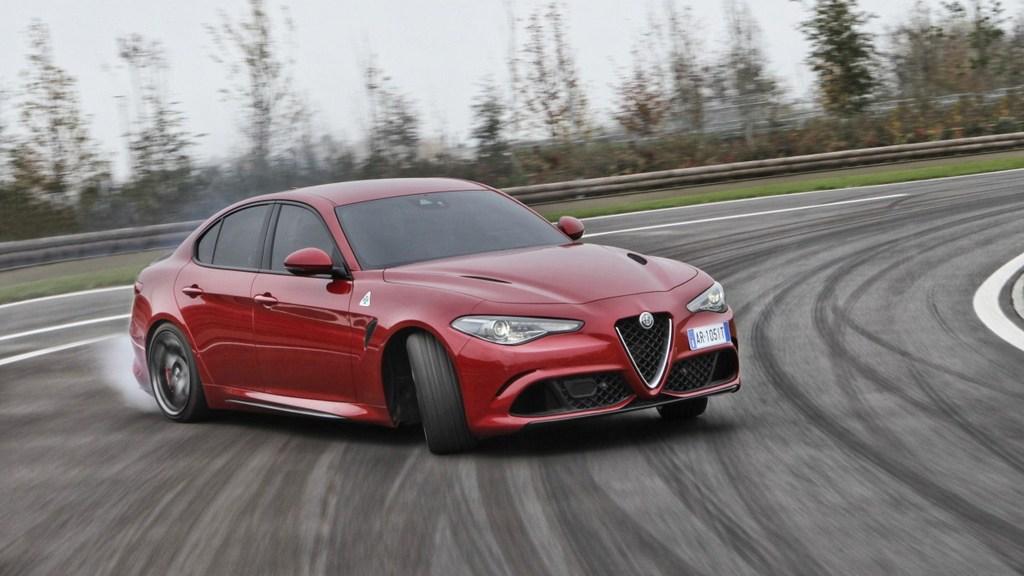 http://reklamirajte.se/wp-content/uploads/2018/06/Alfa-Romeo_Giulia-Quadrifoglio_3.jpg