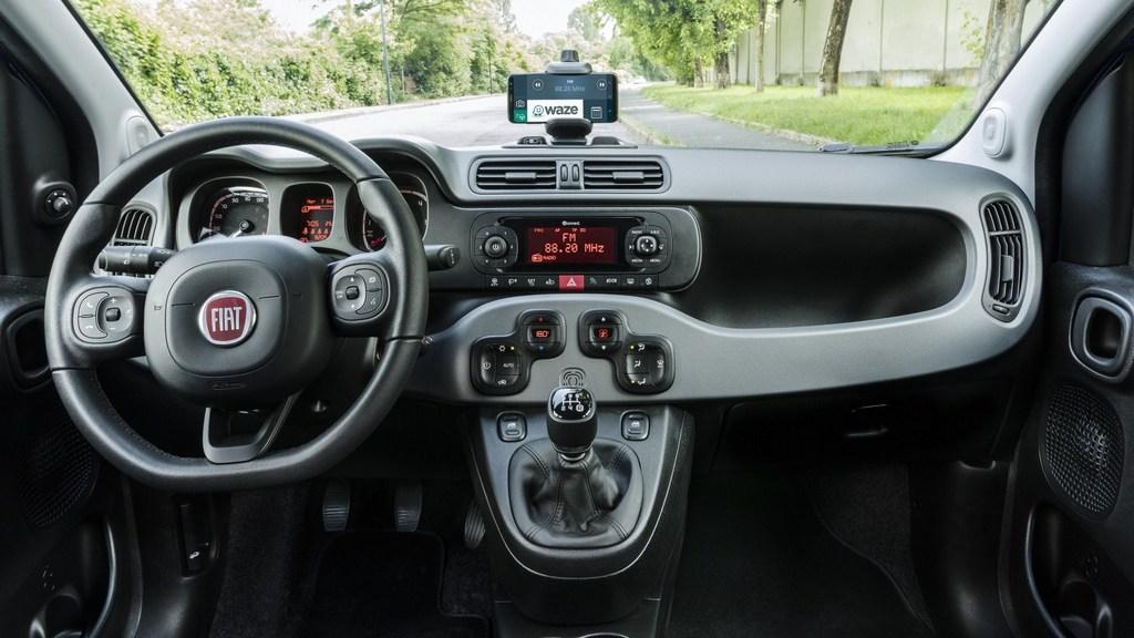 http://reklamirajte.se/wp-content/uploads/2018/06/Fiat-Panda-Waze-6.jpg
