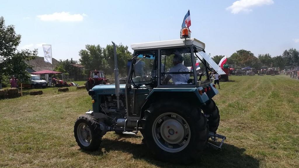 http://reklamirajte.se/wp-content/uploads/2018/08/Traktor-1.jpg