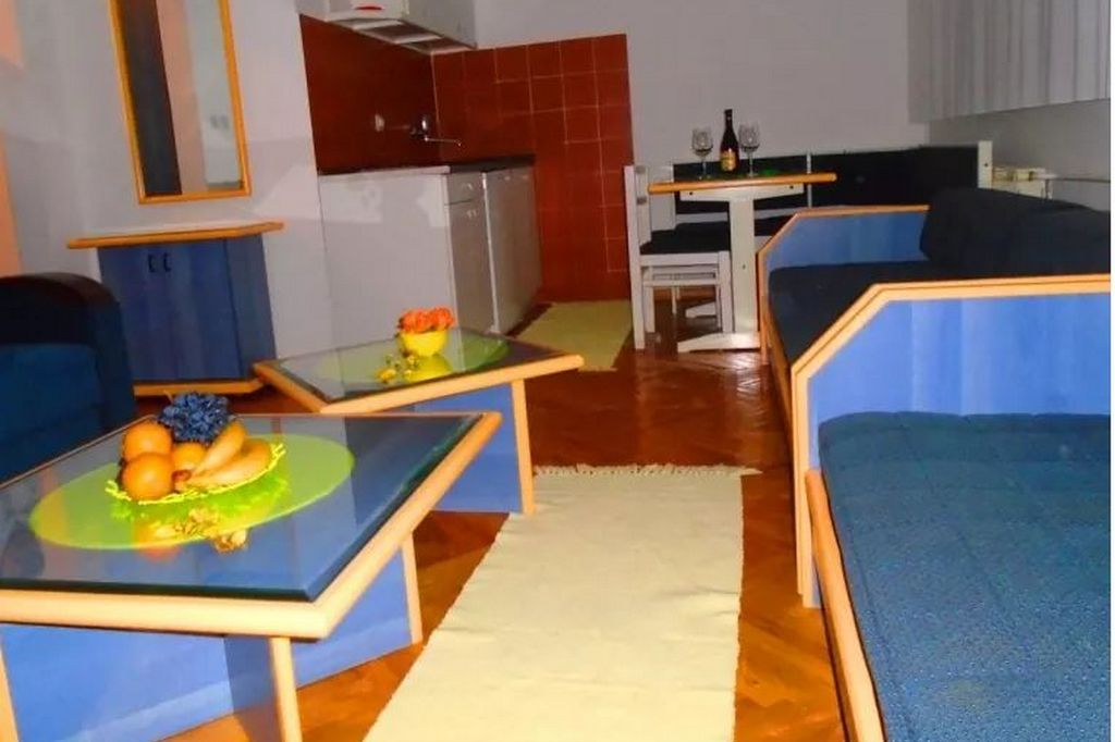 http://reklamirajte.se/wp-content/uploads/2018/10/Apartman-Nataša-4.jpg