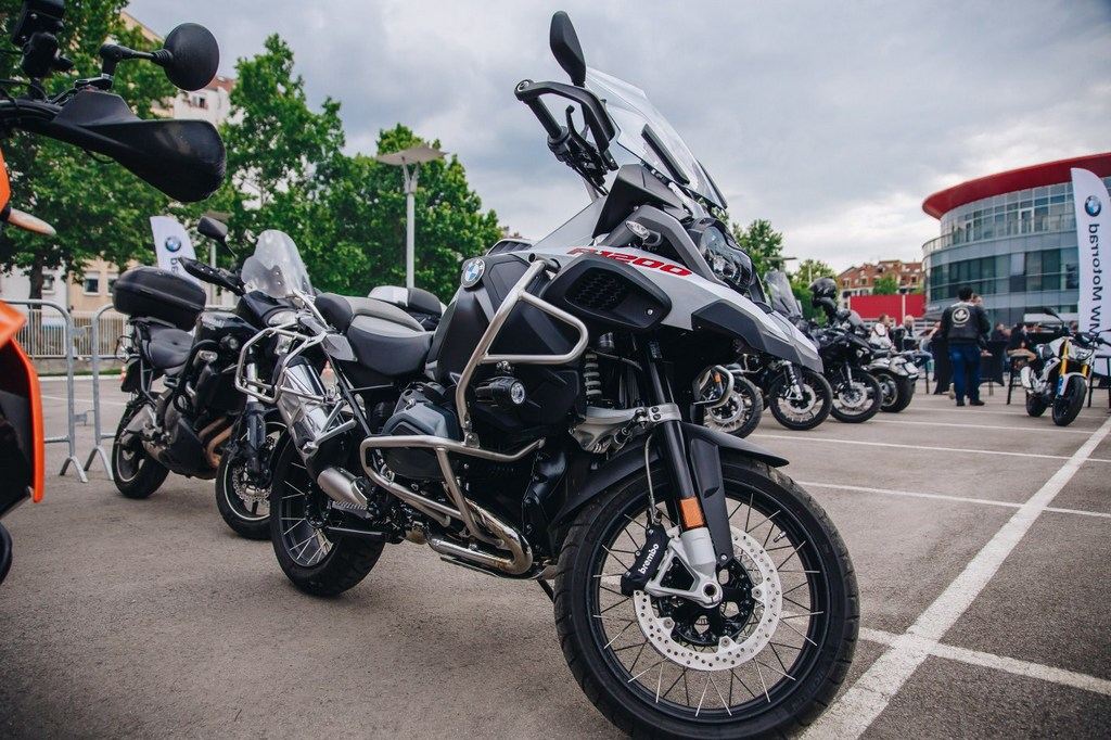 https://reklamirajte.se/wp-content/uploads/2018/05/BMW-Motorrad-4.jpg