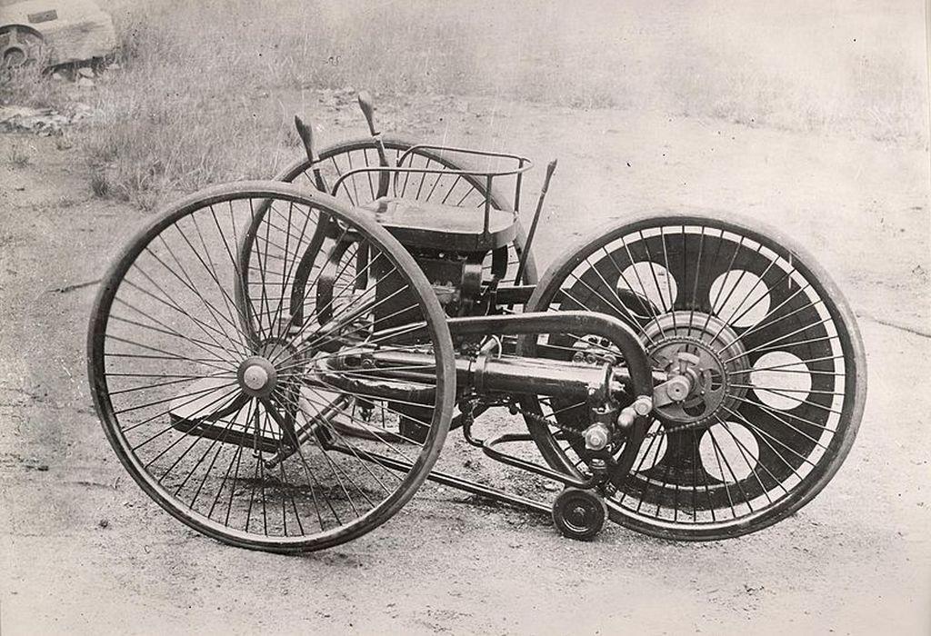 https://reklamirajte.se/wp-content/uploads/2018/07/Istorija-motocikla-1.jpg