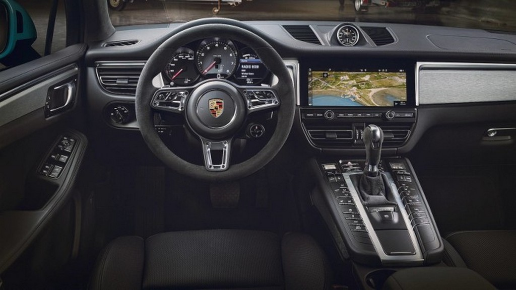 https://reklamirajte.se/wp-content/uploads/2018/07/Porsche-Macan-6.jpg