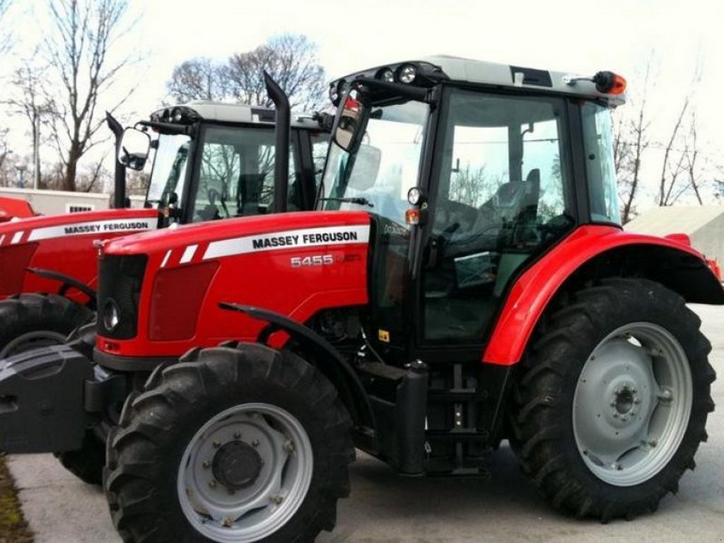 https://reklamirajte.se/wp-content/uploads/2018/08/Traktor-4.jpg