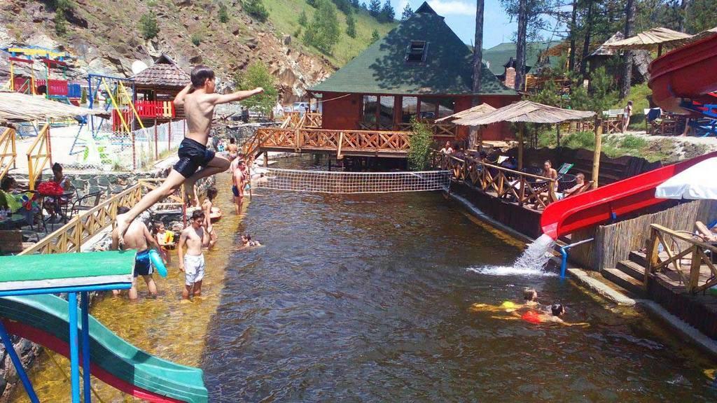 Apartmani Zlatibor-Etno selo Zlatiborska jezera-aqua park 2