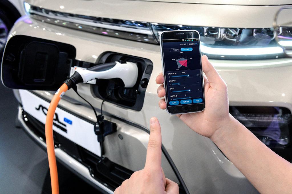 Kia e-Soul - HMG Group Introduces Smartphone Based EV Performance Control Technology2